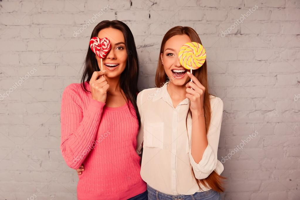 BEST-FEMALE-FRIENDSHIP-TV-SERIES